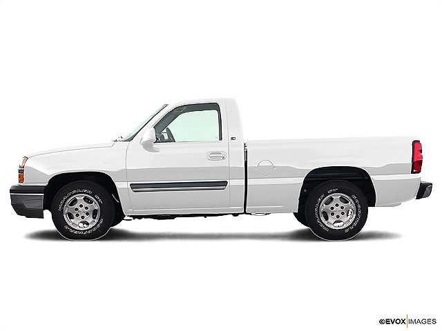 Chevrolet Silverado 2004 $3272.00 incacar.com
