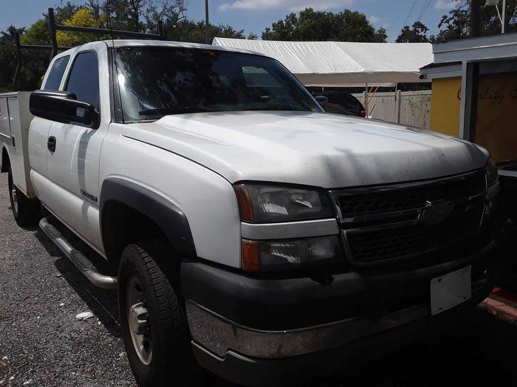 Chevrolet Silverado 2005 $6499.00 incacar.com