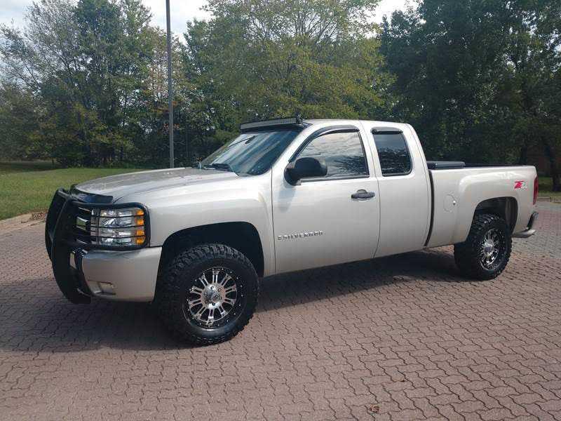 Chevrolet Silverado 2009 $11900.00 incacar.com