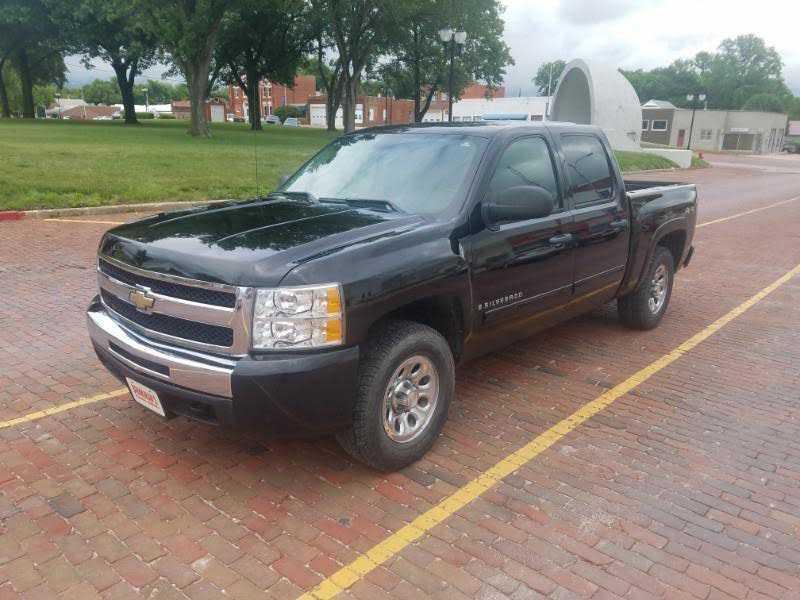 Chevrolet Silverado 2009 $9950.00 incacar.com