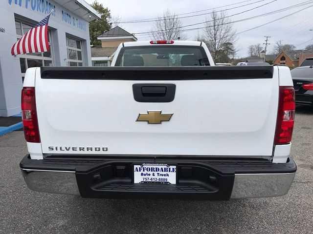 Chevrolet Silverado 2011 $4760.00 incacar.com