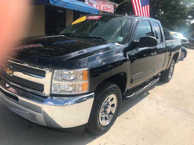 Chevrolet Silverado 2013 $8995.00 incacar.com