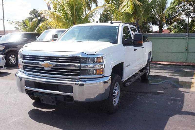 Chevrolet Silverado 2015 $15500.00 incacar.com