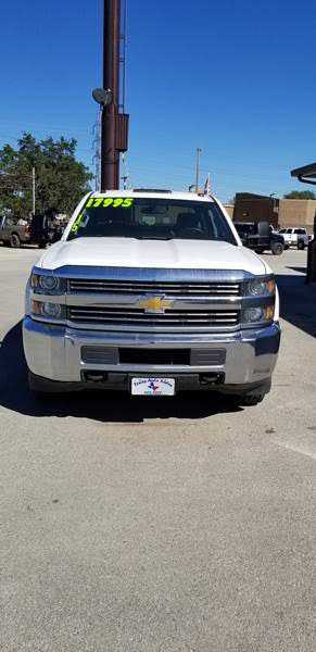Chevrolet Silverado 2015 $18995.00 incacar.com