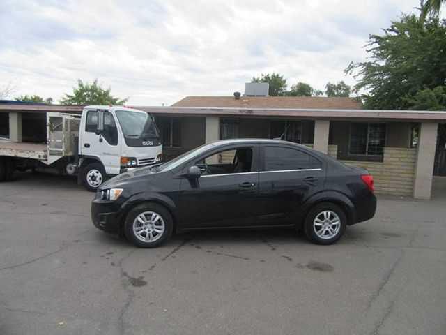 Chevrolet Sonic 2013 $3850.00 incacar.com
