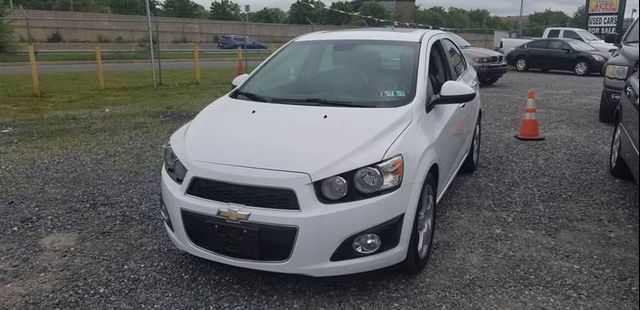 Chevrolet Sonic 2013 $500.00 incacar.com