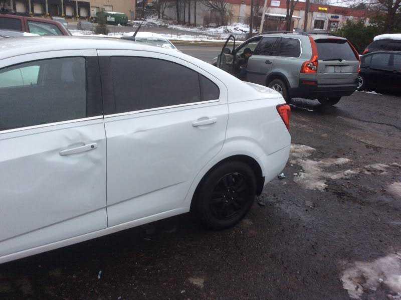 Chevrolet Sonic 2014 $3999.00 incacar.com