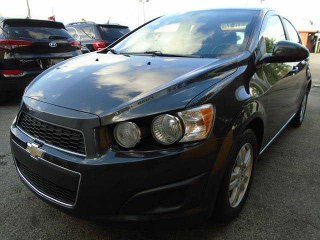 Chevrolet Sonic 2014 $4775.00 incacar.com