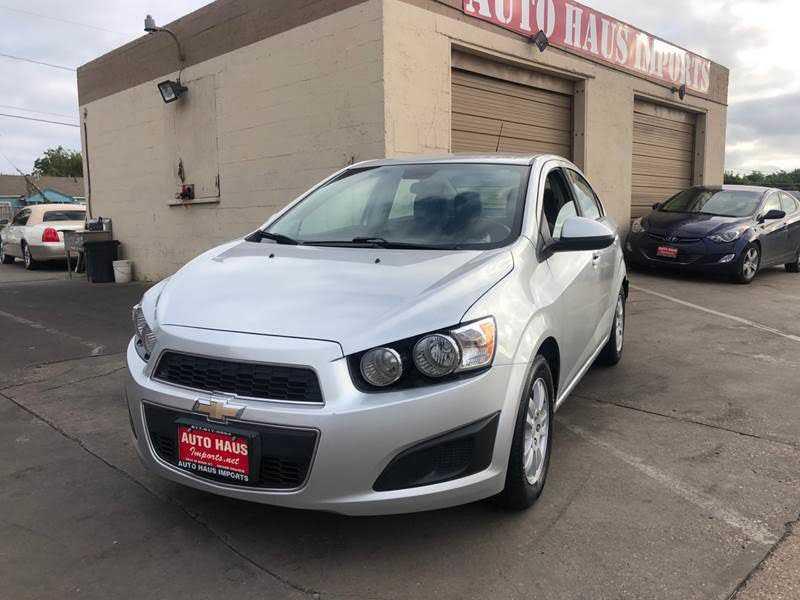 Chevrolet Sonic 2015 $6995.00 incacar.com