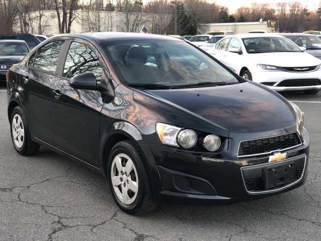 Chevrolet Sonic 2015 $5970.00 incacar.com