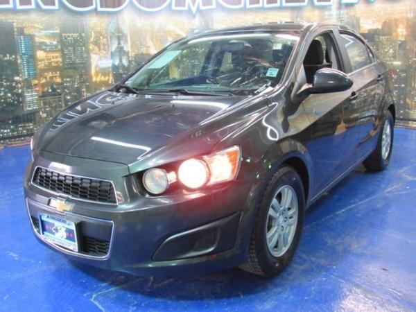 Chevrolet Sonic 2015 $6500.00 incacar.com