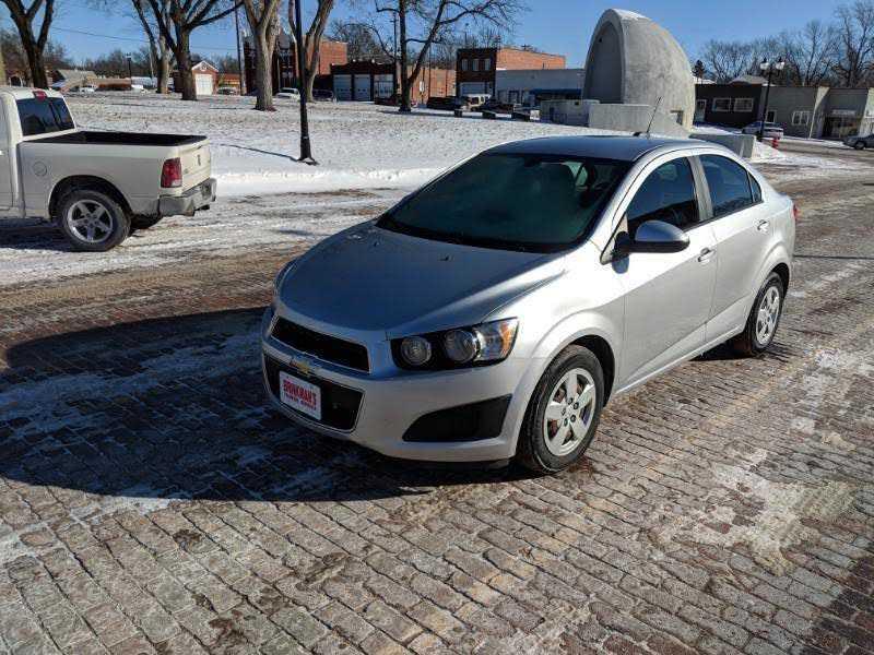 Chevrolet Sonic 2015 $6950.00 incacar.com