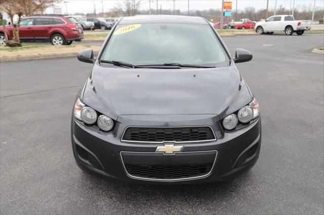 Chevrolet Sonic 2016 $7400.00 incacar.com