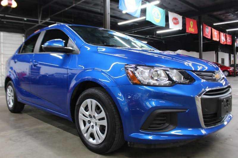 Chevrolet Sonic 2017 $7999.00 incacar.com