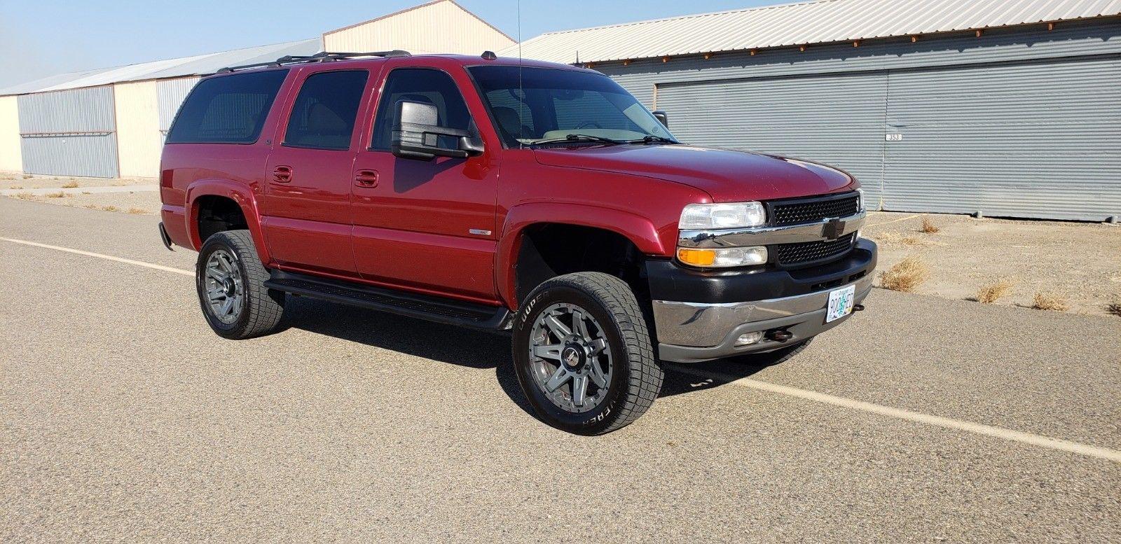 Chevrolet Suburban 2004 $28000.00 incacar.com