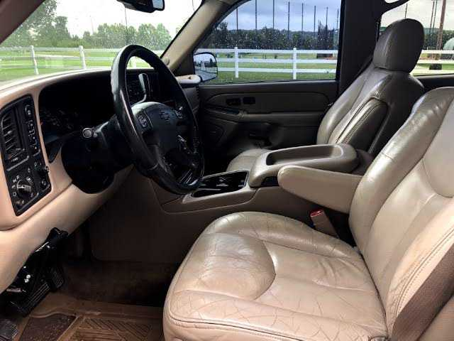 Chevrolet Suburban 2004 $5200.00 incacar.com