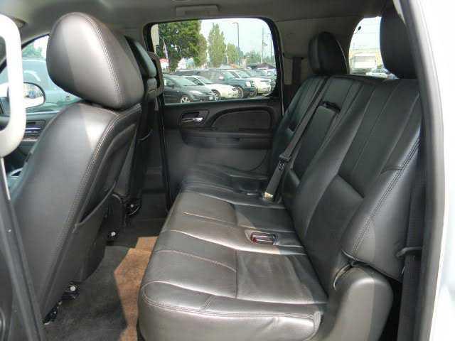 Chevrolet Suburban 2012 $7995.00 incacar.com