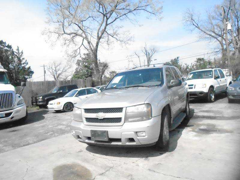 Chevrolet Trailblazer 2008 $2850.00 incacar.com