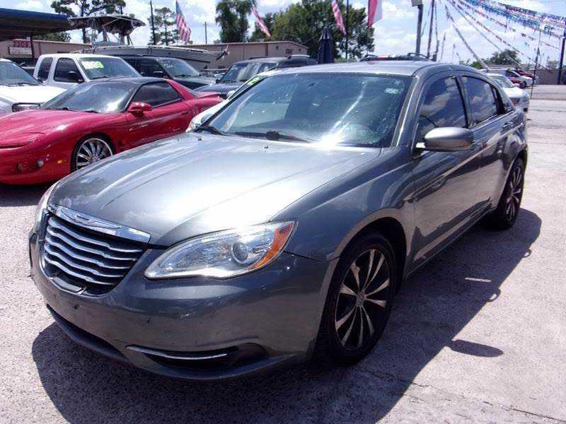Chrysler 200 2011 $2450.00 incacar.com