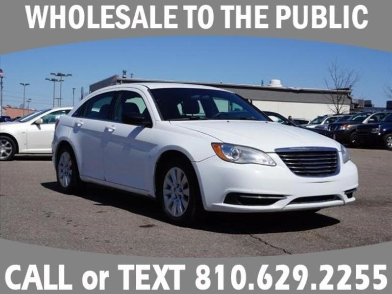 Chrysler 200 2012 $4750.00 incacar.com