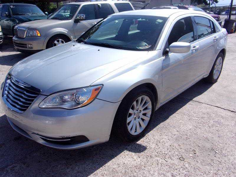 Chrysler 200 2012 $3699.00 incacar.com