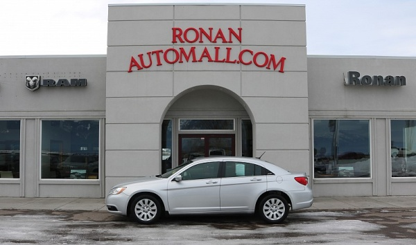 used Chrysler 200 2012 vin: 1C3CCBAB4CN261885
