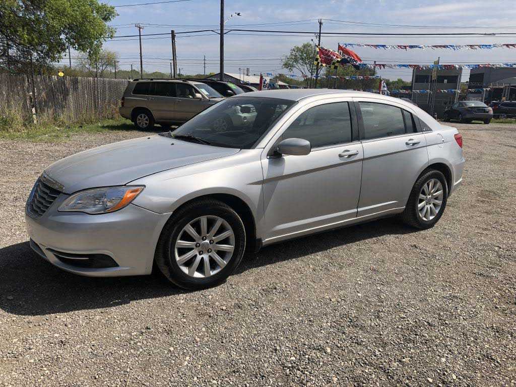 Chrysler 200 2012 $4899.00 incacar.com