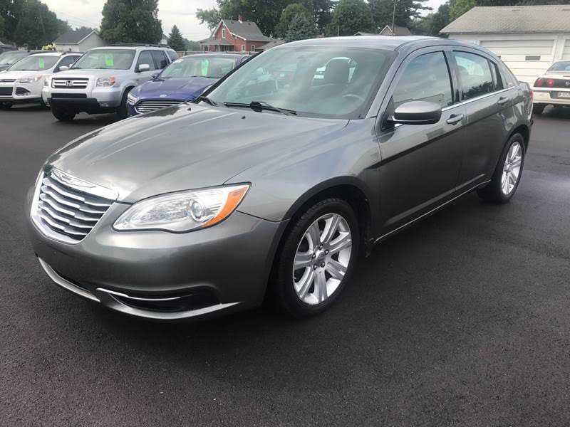 Chrysler 200 2012 $4900.00 incacar.com