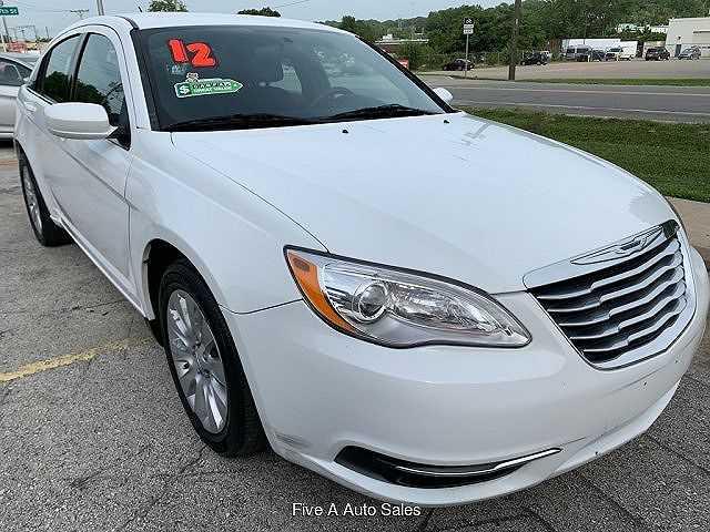 Chrysler 200 2012 $4600.00 incacar.com