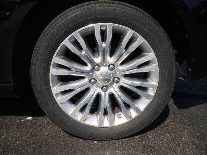 Chrysler 200 2012 $9995.00 incacar.com