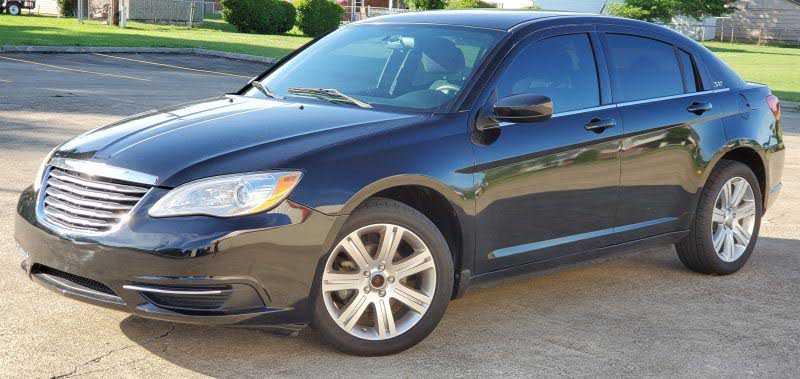 Chrysler 200 2013 $4400.00 incacar.com