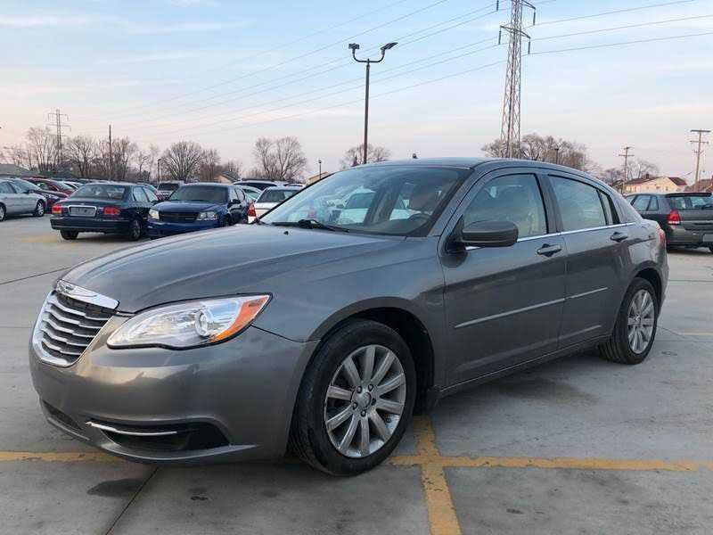 Chrysler 200 2013 $4300.00 incacar.com