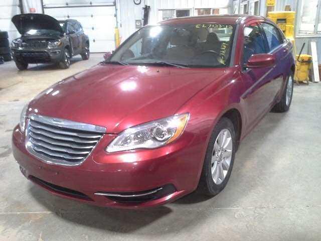 Chrysler 200 2013 $3250.00 incacar.com