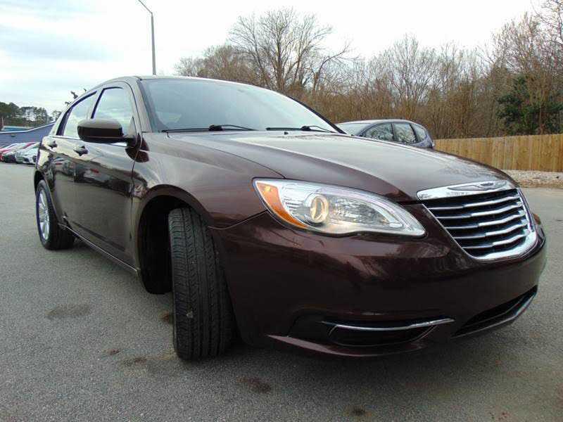 Chrysler 200 2013 $4999.00 incacar.com