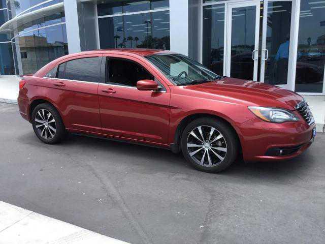 Chrysler 200 2013 $10995.00 incacar.com