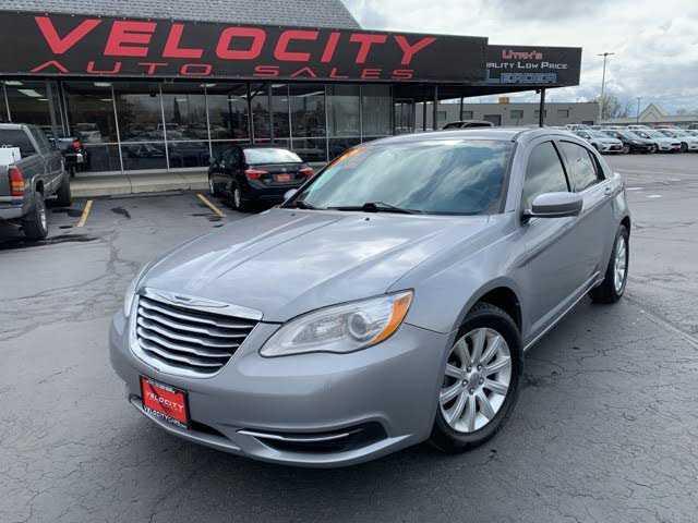 Chrysler 200 2013 $4995.00 incacar.com