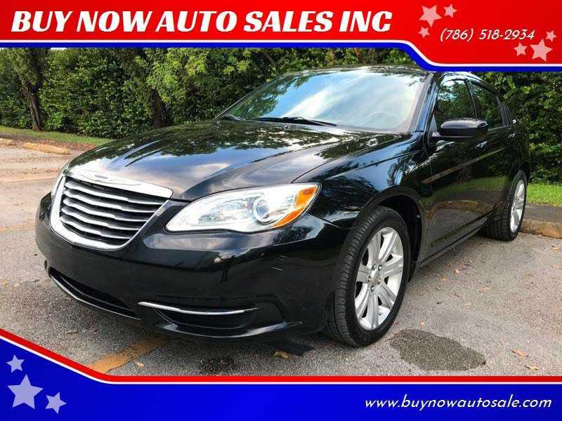 Chrysler 200 2013 $5250.00 incacar.com