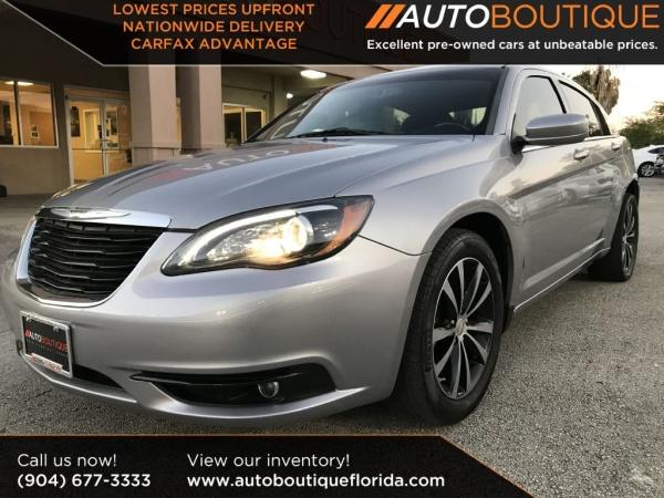 Chrysler 200 2013 $6495.00 incacar.com