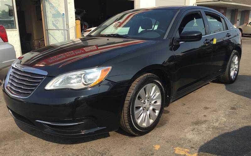 Chrysler 200 2014 $4400.00 incacar.com