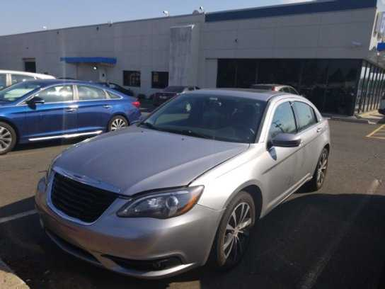 Chrysler 200 2014 $5490.00 incacar.com
