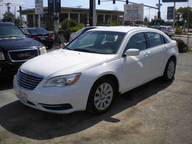Chrysler 200 2014 $5995.00 incacar.com