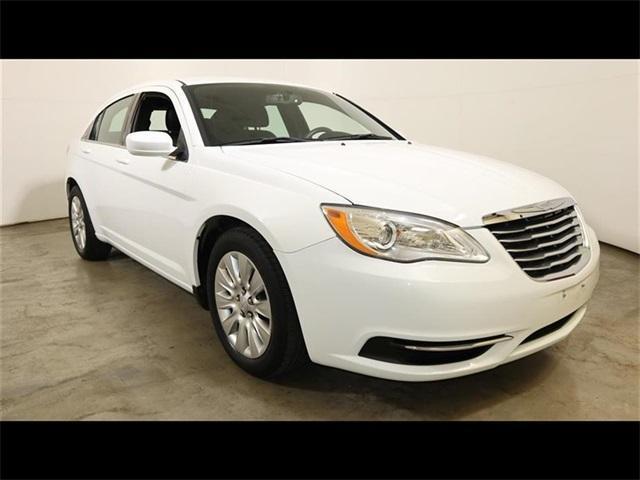 Chrysler 200 2014 $12995.00 incacar.com