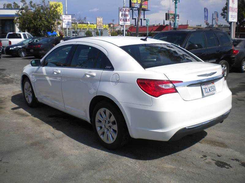 Chrysler 200 2014 $5995.00 incacar.com