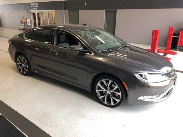 Chrysler 200 2015 $17000.00 incacar.com