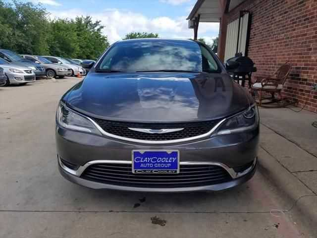 Chrysler 200 2015 $5990.00 incacar.com