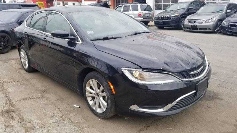 Chrysler 200 2015 $4000.00 incacar.com