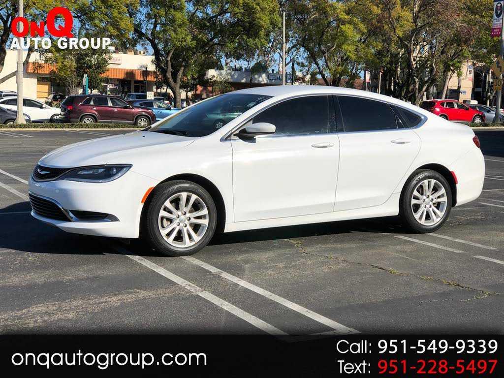 Chrysler 200 2015 $8900.00 incacar.com