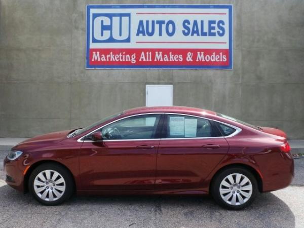 Chrysler 200 2015 $16495.00 incacar.com