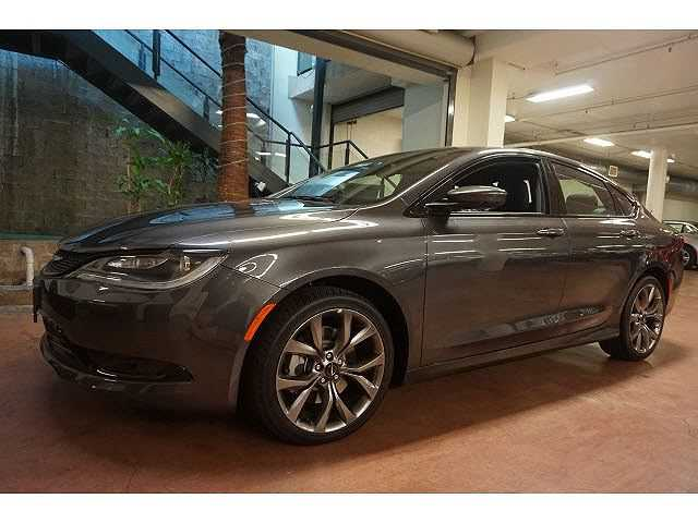 Chrysler 200 2015 $24995.00 incacar.com