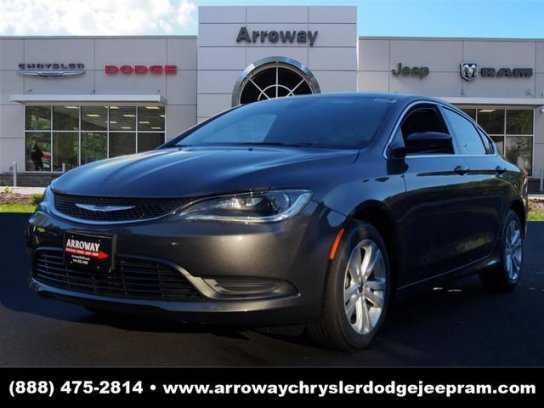 Chrysler 200 2016 $16000.00 incacar.com